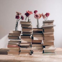 My pile of books is getting higher and higher 😅🙈 I don't know when I will have time to read them all 😅😅 How many books is waiting for you? Cozy Aesthetic, Pink Aesthetic, Photo Cup, Pile Of Books, Warm Spring, Landscape Illustration, Illustration Art, Disney Instagram, Inspirational Books