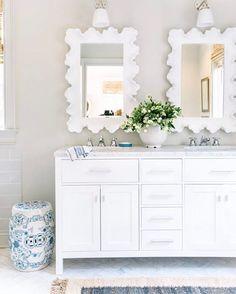 Pretty bathroom with