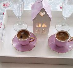 kahve sunum I Love Coffee, Black Coffee, Turkish Delight, Turkish Coffee, Sweet Words, Coffee Cafe, Chocolate Lovers, Food Presentation, Tea Time