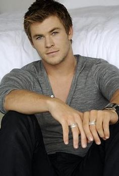 Liam Hemsworth. aka GALE love it :)