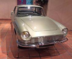 Renault Floride de la Princesse Grace La peinture est strictement d'origine, la voiture est comme neuve. — at Musée de Automobile Monaco.