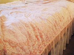 TDF Normandy lace bed cover