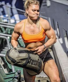 Top 15 Powerful CrossFit Quotes guaranteed to inspire you. Discover powerful, rare and inspirational CrossFit and fitness quotes. Female Crossfit Athletes, Crossfit Women, Female Athletes, Crossfit Chicks, Crossfit Abs, Camille Leblanc Bazinet, Best Bodybuilding Supplements, Bodybuilding Workouts, Crossfit Motivation