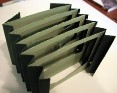 Basic Tunnel Book Tutorial--may work for paper scultpure Tunnel Book Tutorial, Pop Up Karten, Libros Pop-up, Paper Art, Paper Crafts, Bookbinding Tutorial, Handmade Books, Handmade Journals, Handmade Rugs
