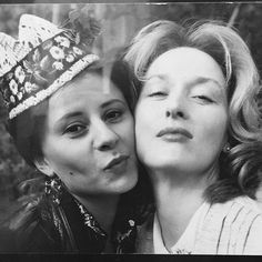 """""""I met you when I was 32 and I said to my husband, 'I think I've made a ne … - Vintage Quotes Maryl Streep, Baby Jessica, Vintage Quotes, Emma Thompson, Diane Lane, Oscar Winners, Alyson Hannigan, Gal Pal, Dogue De Bordeaux"""