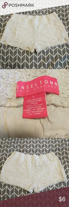 Tinseltown Crochet Shorts Cute cream/off-white Tinseltown crochet shorts with floral stitching. Elastic waistband, has inner lining (not see through), and super comfortable! Got compliments every time I wore these, but the hubs hates them. Good condition, has 1 detail that ripped. Please see photos. Tinseltown Shorts