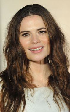 Hayley Atwell, my natural hair color Stylish Haircuts, Haircuts For Long Hair, Hairstyles Haircuts, Celebrity Hairstyles, Hayley Attwell, Hayley Elizabeth Atwell, Undone Look, Textured Haircut, Straight Lace Front Wigs