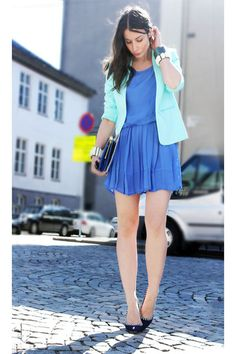 Violet-monki-dress-light-blue-h-m-trend-blazer-navy-aldo-heels_400 color-blocking brights