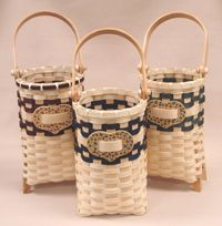 Wine Gift Basket Pattern-by Wagner http://catalog.countryseat.com/winegiftbasketpattern-bywagner.aspx