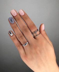 The advantage of the gel is that it allows you to enjoy your French manicure for a long time. There are four different ways to make a French manicure on gel nails. Matte Nails, Pink Nails, Glitter Nails, Gorgeous Nails, Love Nails, My Nails, Fall Nails, Nailed It, Cute Nail Art Designs