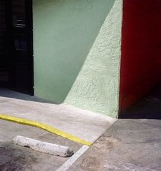 When Australian photographer George Byrne moved to Los Angeles, he began to create an experimental documentation of the city's sun-drenched surfaces and vivid colours. Moving To Los Angeles, Clear Blue Sky, Photography Lessons, Architecture, Beautiful Images, Vivid Colors, Backdrops, Stairs, Photo And Video