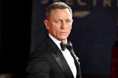 Daniel Craig injured during the shooting of Bond undergo surgery for ankle surgery. James Bond 25, James Bond Actors, Ben Whishaw, Ralph Fiennes, Daniel Craig, 3. April, Bond Series, Studios, Timothy Dalton