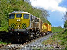 Refurbished CIE Class 071 Co Co diesel no 071 in new livery. Model Trains, Locomotive, Diesel, Irish, Vehicles, Diesel Fuel, Irish Language, Rolling Stock, Ireland