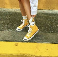 chickensss 🐣 (egg yolk 👐) do you like converse? Yellow Aesthetic Pastel, Aesthetic Colors, Aesthetic Vintage, Aesthetic Clothes, Yellow Converse, Yellow Theme, Yellow Painting, Girls Sneakers, Men's Sneakers