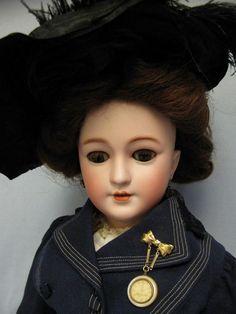 "27"" Early German SIMON & HALBIG #1159 LADY Doll Shapely Body Fantastic Orig. from turnofthecenturyantiques on Ruby Lane Victorian Dolls, Antique Dolls, Vintage Dolls, Girl Doll Clothes, Girl Dolls, Barbie Dolls, Pretty Dolls, Beautiful Dolls, German Fashion"