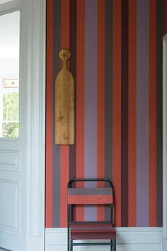 Neutral-leaning lilac, gray, and plum get a dose of flavor with embracing ginger stripes. | Chromatic Stripe ST 4203, @Farrow & Ball