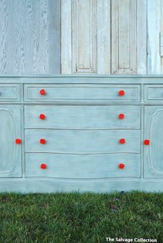 bright red knobs