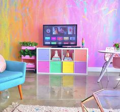 http://www.boredpanda.com/rainbow-colored-apartment-amina-mucciolo/?utm_source=facebook