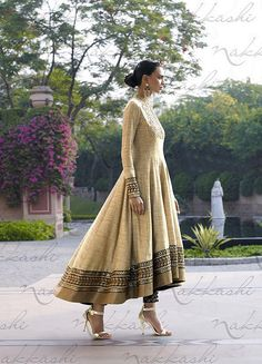 This glittering textured khadi fabric anarkali dress is in beige color. The yoke portion of the suit Indian Attire, Indian Wear, Indian Dresses, Indian Outfits, Khadi, Party Kleidung, Designer Party Wear Dresses, Desi Wear, Anarkali Dress