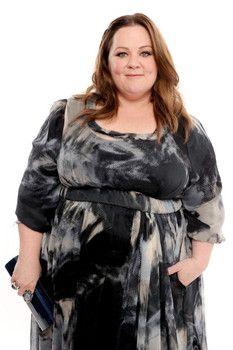 Melissa McCarthy attacks Kenan Thompson in 'Saturday Night Live' promo Snl News, Kenan Thompson, Melissa Mccarthy, Saturday Night Live, Plus Size Fashion, Curves, Ruffle Blouse, Formal, Casual