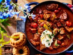 Unser beliebtes Rezept für Braumeisterschmortopf und mehr als 55.000 weitere kostenlose Rezepte auf LECKER.de. Paleo Recipes Easy, Easy Casserole Recipes, Dutch Recipes, Whole 30 Recipes, Easy Weeknight Meals, Easy Meals, Sweet Potato Gnocchi, Chicken Wing Recipes, Healthy Appetizers