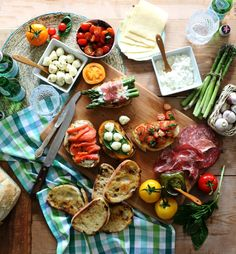 Craftberry Bush | Summer Crostini Bar | http://www.craftberrybush.com
