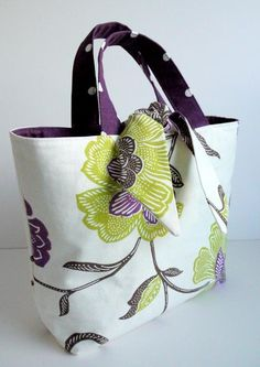 tote bag sewing pattern | Reversible Tied Tote Bag by Lillyblossom | Sewing Pattern