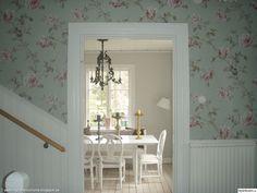 blommig tapet Swedish Wallpaper, Scandinavian Furniture, Cottage Interiors, Interior Exterior, Decor Interior Design, Future House, Minimalism, Art Deco, Home And Garden