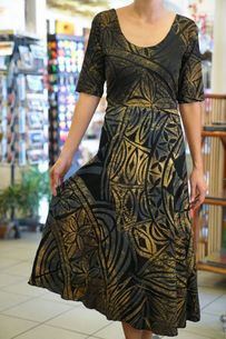 The Best Pacific and Samoa Shopping - Carvings, Crafts, Homeware and Gifts Samoan Dress, Island Style Clothing, Island Wear, Ethnic Fashion, Women's Fashion, Gold Dress, All About Fashion, Green Dress, Dress Patterns