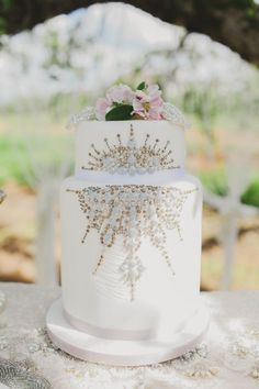 Glam white & Silver Cake Outdoor Tablescape // Blush and Sparkle Fifties Inspired Countryside Wedding in the Countryside // Kirsty-Lyn Jameson Photography  // Gibson Bespoke // ConfettiDaydreams.com Wedding Blog