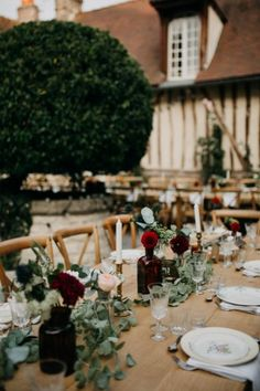 Mariage Kinfolk a la dîme de Giverny - Décoration Artis Evénement Wedding Decorations, Table Decorations, Best Day Ever, Rustic Chic, Event Decor, Rustic Wedding, Wedding Ceremony, Dream Wedding, Table Settings