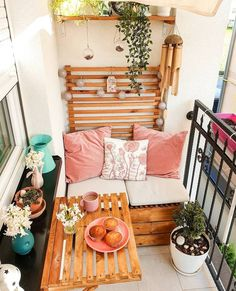 71 apartment style balcony decorating ideas for your home 10 Small Balcony Design, Small Balcony Garden, Small Balcony Decor, Outdoor Balcony, Terrace Design, Small Patio, Modern Balcony, Small Terrace, Small Balconies