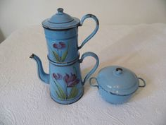 French-coffee-pot-vintage-enamel