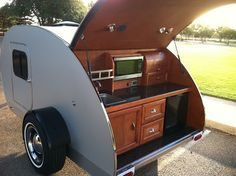 Posts and information on the small camping trailer, the teardrop. Teardrop Trailer Interior, Teardrop Trailer Plans, Travel Trailer Interior, Teardrop Camper Trailer, Camper Trailer For Sale, Airstream Interior, Camper Trailers, Trailer Build, Vintage Airstream