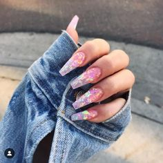 """If you're unfamiliar with nail trends and you hear the words """"coffin nails,"""" what comes to mind? It's not nails with coffins drawn on them. It's long nails with a square tip, and the look has. Aycrlic Nails, Glam Nails, Hair And Nails, Fingernails Painted, Best Acrylic Nails, Acrylic Nail Designs, Acrylic Summer Nails Coffin, Pink Coffin, Long Nail Designs"""