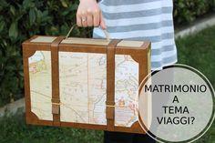 Valigia in cartone per angolo photoboot di un matrimonio vintage o a tema viaggi
