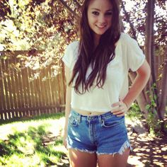 High waisted jean short cutoffs! Such an easy and fun DIY project!