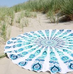 A round mandala blanket you can bring to the beach or hang in your room. So many options! 33 Things You Don't Need But Will Definitely Buy Anyway Mandala Blanket, Mandala Tapestry, Amazon Gadgets, Table Throw, Beach Tan, Beach Gifts, Things To Buy, Stuff To Buy, Cotton Sheets