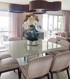 This is super stylish and classy rose gold living and dining room. It is equipped with all the essentials to adorn the room. Luxury Dining Tables, Luxury Dining Room, Dining Table Design, Dining Room Lighting, Rose Gold Room Decor, Rose Gold Rooms, Home And Living, Decoration, Furniture Design