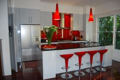 Innovative red kitchen decor red kitchen accents home design ideas pictures remodel and decor Red Kitchen Accents, Black Kitchen Decor, Red And White Kitchen, Black And White Interior, White Interior Design, Black Kitchens, Kitchen Themes, Kitchen Colors, Kitchen Designs