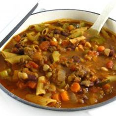Make Olive Garden's Delicious Pasta Fagioli at Home! You'll love, love, love this rich, hearty, fiber packed soup! It tastes very similar to the pasta e fagioli at Olive Garden. Lchf, Keto, Pasta Fagioli, Skinny Recipes, Healthy Recipes, Healthy Lunches, Eating Healthy, Healthy Soups, Healthy Dinners