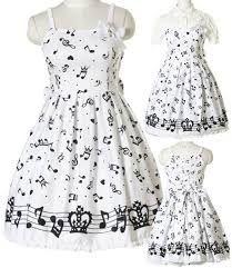 Un vestido ideal para diario, para salir con amigos al cine, al parque, a la deportiva, para quedarse en sus casa a jugar vieojuegos, entre otros.