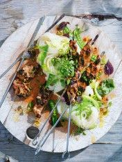 lemongrass pork skewers with pea and rice noodle salad Skewer Recipes, Slaw Recipes, Spicy Recipes, Pork Skewers, Grilled Chicken Skewers, Rice And Peas, Noodle Salad, Pork Dishes