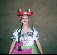Del baúl de los recuerdos cuando era estudiante de la carrera de bailarín profesional en danza folklórica.