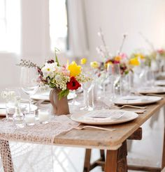 simple and natural indoor table setting #tablescape #party #wedding