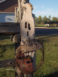 Primitive Crafts | Happy Halloween Ghost Hanger