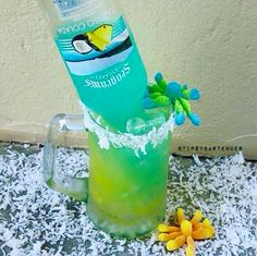 Ocean Floor Cocktail - For more delicious recipes and drinks, visit us here: www.tipsybartender.com