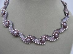 Waves of Pearls A Miwako Nara Pattern Beaded by Penelope - amalia Beaded Necklace Patterns, Necklace Designs, Beaded Earrings, Beaded Bracelets, Necklaces, Bead Jewellery, Pearl Jewelry, Bridal Jewelry, Seed Bead Necklace