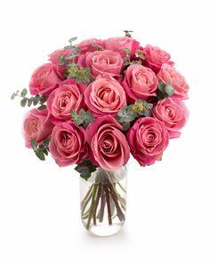 Doreşti să îi oferi iubitei tale sau soţiei un cadou romantic, dar vrei să înlocuieşti clasicii trandafiri roşii cu altceva? Îţi propunem un buchet cu trandafiri roz decorați cu eucalipt. Este un buchet potrivit pentru persoana dragă întrucât rozul reprezintă culoarea dragostei, a afecțiunii. Comandă florile online, iar serviciul nostru de livrare buchete îţi stă la dispoziţie.   #pinkroses #roses #trandafiri #bucheteonline