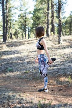 "Fitness Outfits :   Illustration   Description  Alala electric stone leggings    ""Life begins at the end of your comfort zone"" !    -Read More –   - #Quotes https://healthcares.be/lifestyle/quotes/fitness-outfits-womens-gym-wear-alala-electric-stone-leggings/"